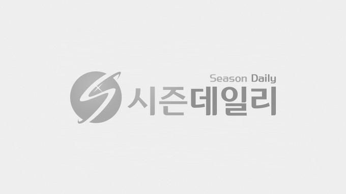 """[코로나19] """"2~4주 뒤 확진자 300~400명""""...신규확진 81일만에 300명대"""